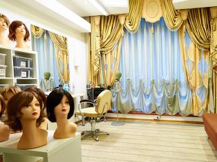 Чем порадует современный салон париков